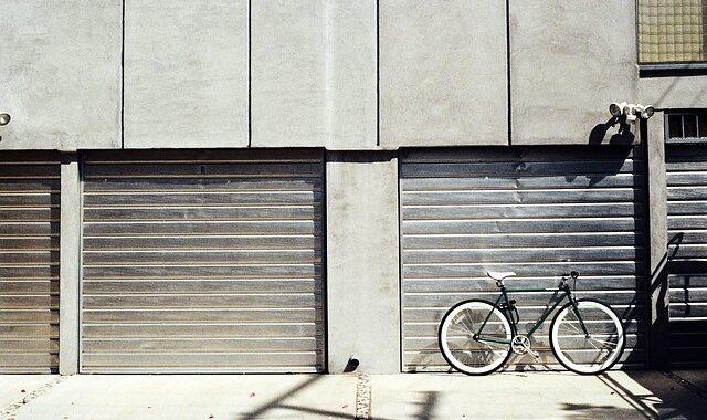 dvižna garažna vrata